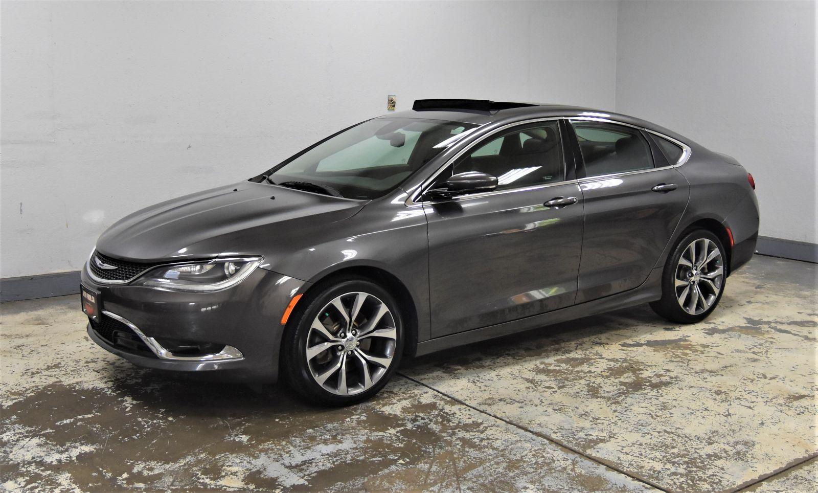 2016 Chrysler 200 Image