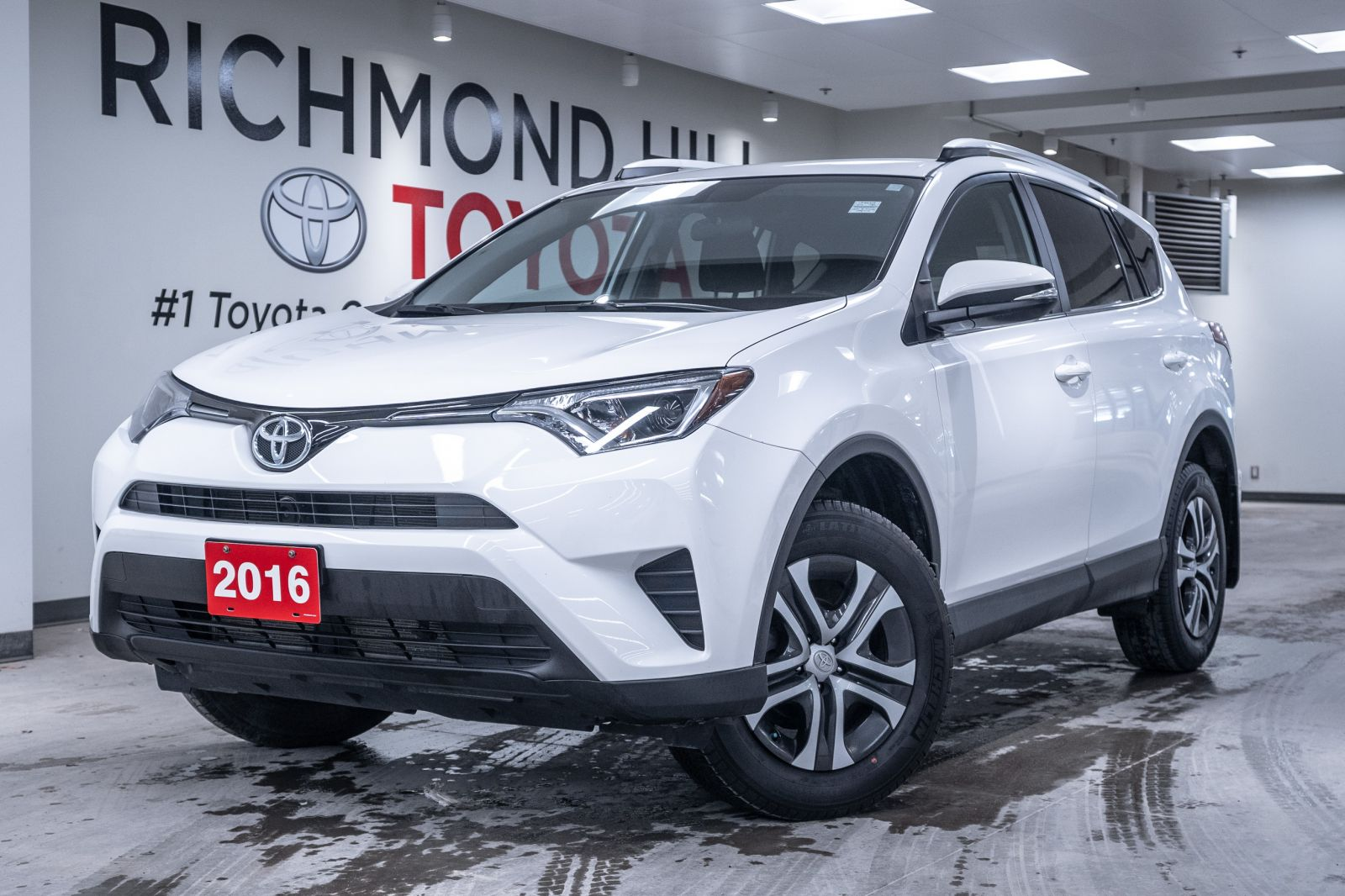2016 Toyota RAV4 Image