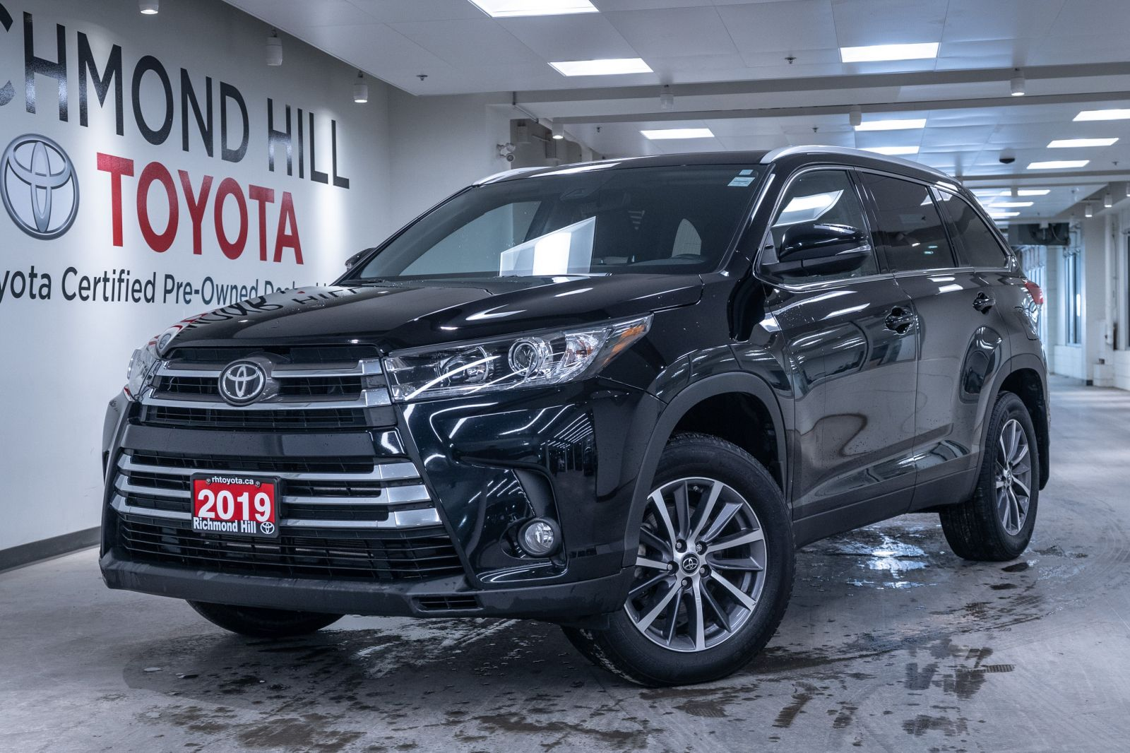 2019 Toyota Highlander Image