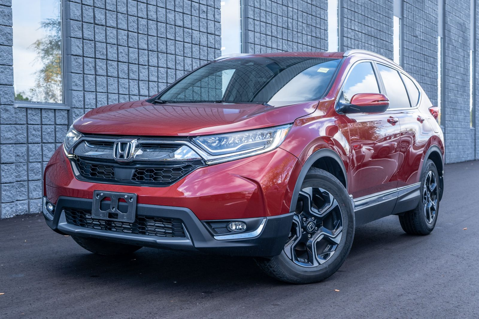 2017 Honda CR-V Touring|Blind Spot Monitor|Heated Seats| Heated Steering Wheel|Navigation