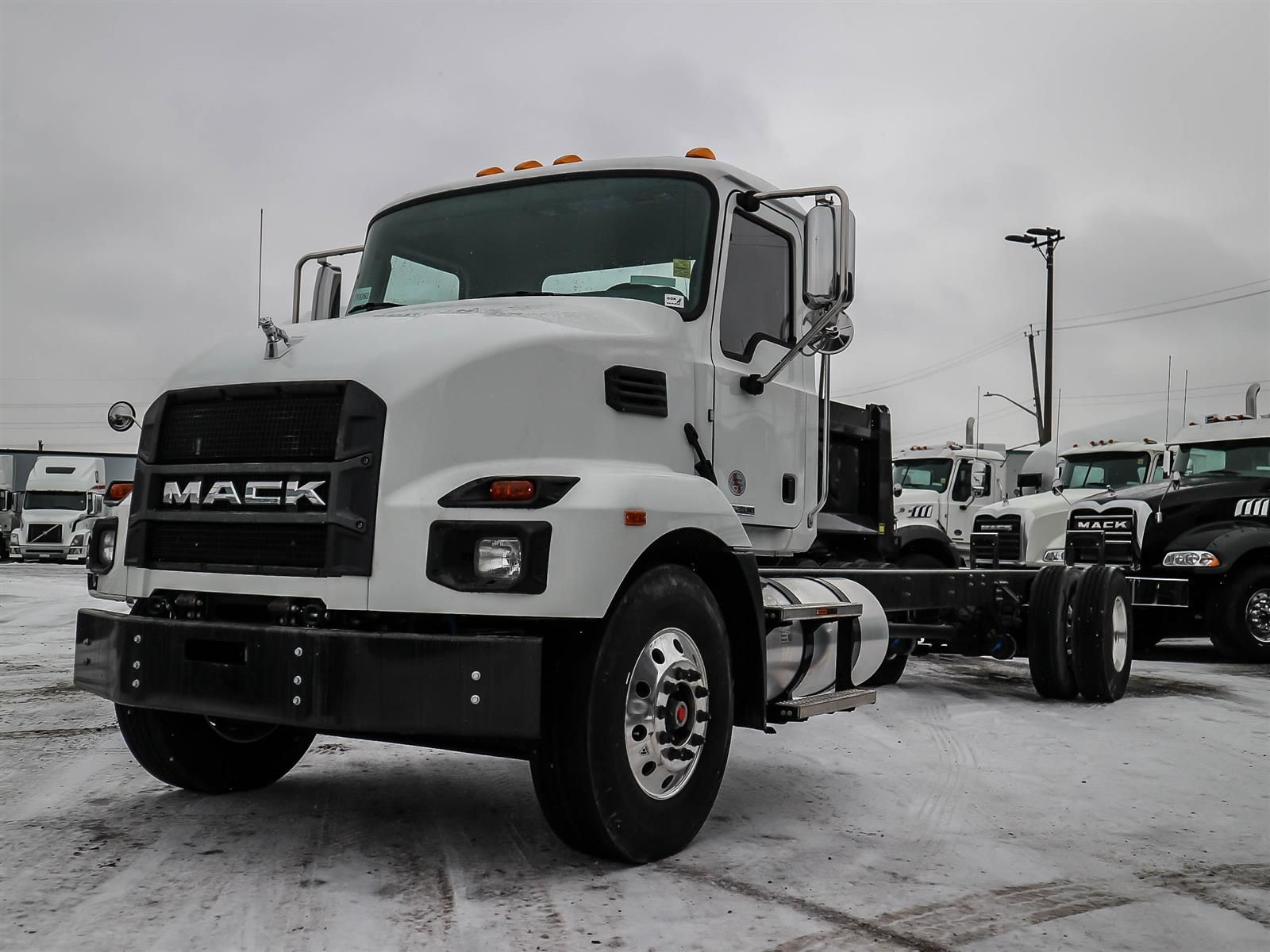 2021 Mack MD7 Image